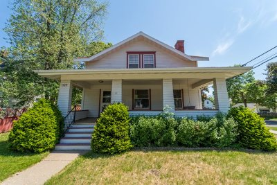 Wausau Single Family Home Active - With Offer: 1129 Prospect Avenue