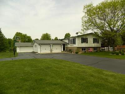 Mosinee Single Family Home Active - With Offer: 2368 Wonderland Drive