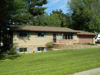 Wausau Single Family Home Active - With Offer: 622 Brooks Place