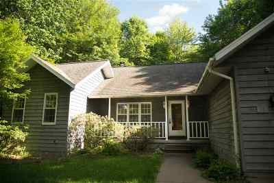 Wausau Single Family Home Active - With Offer: 1003 Parrot Lane