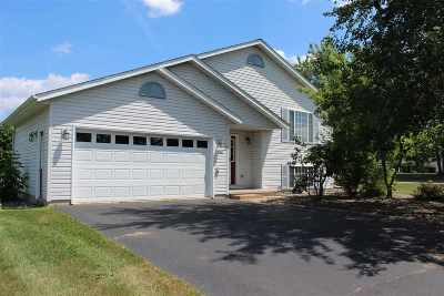 Merrill Single Family Home Active - With Offer: 2201 Willow Bend Drive