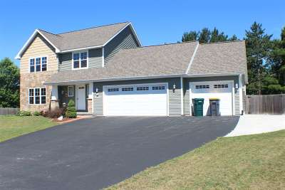Weston Single Family Home Active - With Offer: 5502 Winding Creek Drive