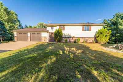 Merrill Single Family Home Active - With Offer: 14985 Shoreline Drive