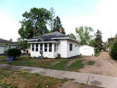 Merrill Single Family Home Active - With Offer: 805 N Mill Street