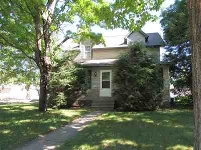 Merrill Single Family Home Active - With Offer: 1000 E 6th Street