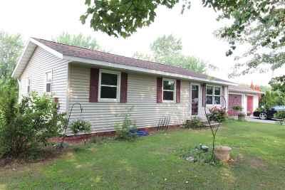 Mosinee Single Family Home For Sale: 686 Kris Lane