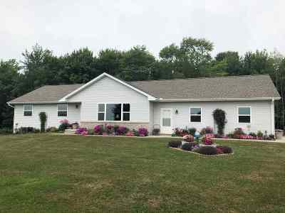Wausau Single Family Home Active - With Offer: H17780 Landing Road