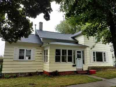 Merrill Single Family Home For Sale: 409 East Street