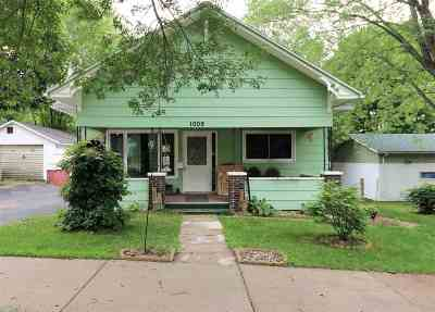 Wausau Single Family Home Active - With Offer: 1009 Sumner Street