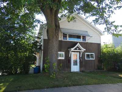 Merrill Single Family Home For Sale: 107 N Genesee Street