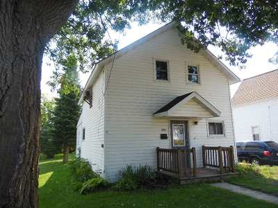 Merrill Single Family Home For Sale: 303 S Foster Street