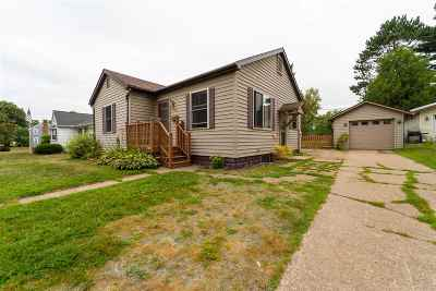 Merrill Single Family Home Active - With Offer: 1404 E 7th Street
