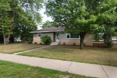 Mosinee Single Family Home Active - With Offer: 906 11th Street