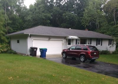 Mosinee Single Family Home Active - With Offer: 1391 Maple Ridge Road