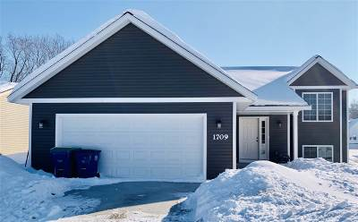 Wausau WI Single Family Home For Sale: $194,900