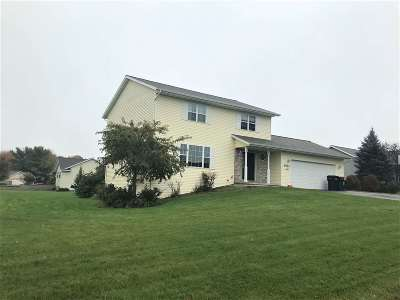 Weston Single Family Home Active - With Offer: 3503 Makenzie Drive
