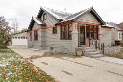 Wausau WI Single Family Home Active - With Offer: $114,900