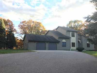 Stevens Point Single Family Home Active - With Offer: 2336 Pinewood Drive