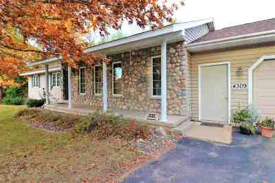 Weston Single Family Home Active - With Offer: 4309 Fox Run Lane