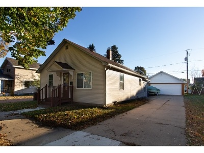 Wausau Single Family Home Active - With Offer: 1239 S 11th Avenue