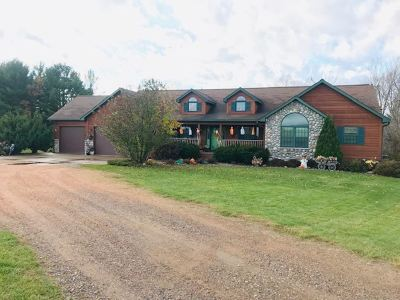 Merrill Single Family Home Active - With Offer: N2439 Hoffman Lane