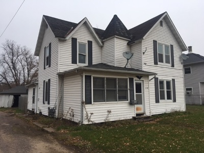 Merrill Single Family Home For Sale: 110 W 3rd Street