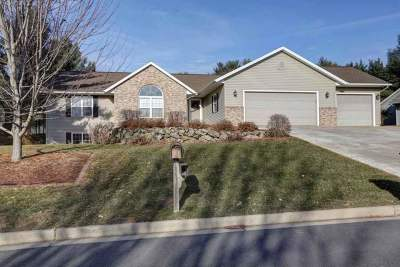 Weston Single Family Home Active - With Offer: 5706 Pine Terrace