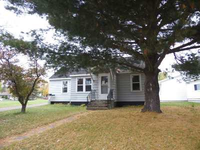 Merrill Single Family Home Active - With Offer: 1802 Logan Avenue