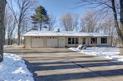Wausau Single Family Home Active - With Offer: 4106 River Hills Circle