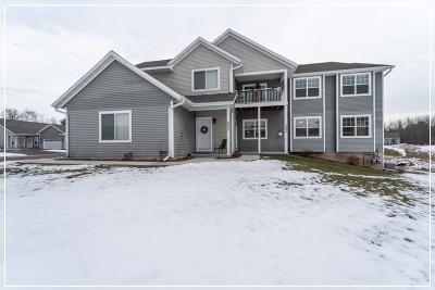 Weston Condo/Townhouse For Sale: 6905 River Trail Drive