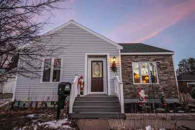 Merrill Single Family Home Active - With Offer: 305 N Nast Street