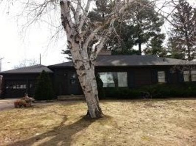 Merrill Single Family Home Active - With Offer: 1407 E 10th Street
