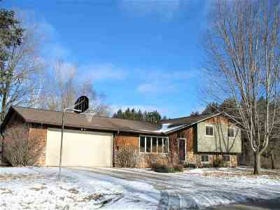 Wausau Single Family Home Active - With Offer: 5800 Red Wing Way