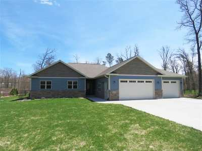 Stevens Point  Single Family Home For Sale: 1265 Black Bear Trail