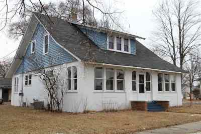 Mosinee Single Family Home Active - With Offer: 701 7th Street
