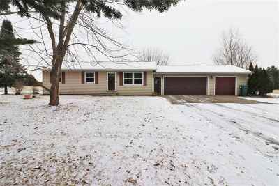 Mosinee Single Family Home Active - With Offer: 207565 Kris Lane
