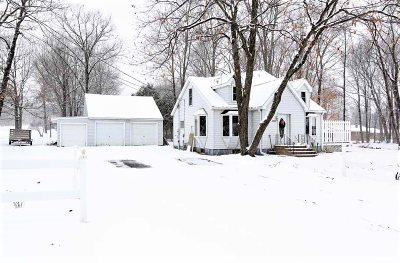 Wausau Single Family Home Active - With Offer: 3304 Bob O Link Avenue