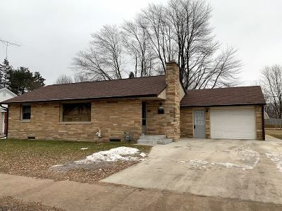 Stevens Point Single Family Home Active - With Offer: 2429 Stanley Street