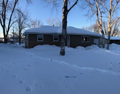 Wausau Single Family Home Active - With Offer: 1540 Summit Drive