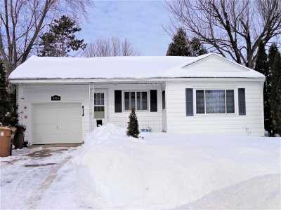 Stevens Point Single Family Home Active - With Offer: 3016 Jefferson Street