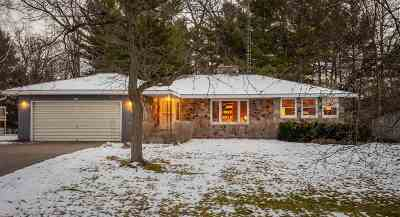 Marathon County, Portage County Single Family Home Active - With Offer: 3109 Channel Drive