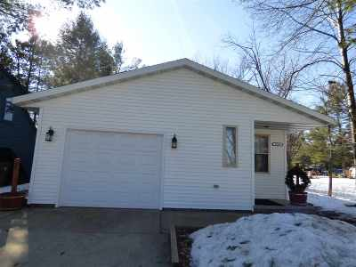 Stevens Point WI Single Family Home Active - With Offer: $155,000