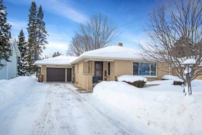 Stevens Point Single Family Home Active - With Offer: 410 Second Street North