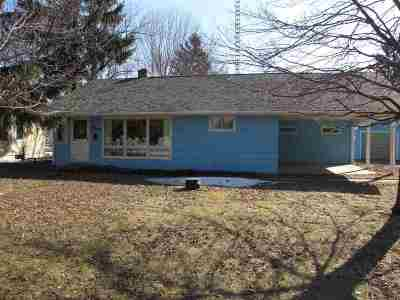 Stevens Point Single Family Home Active - With Offer: 2817 Welsby Avenue