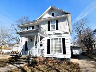 Wausau Single Family Home Active - With Offer: 702 Hamilton Street