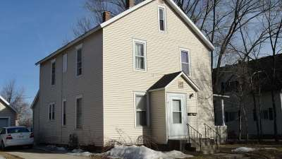 Wausau Single Family Home Active - With Offer: 911 And 911 1/2 N 2nd Avenue