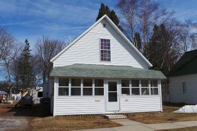 Medford WI Single Family Home Active - With Offer: $59,900