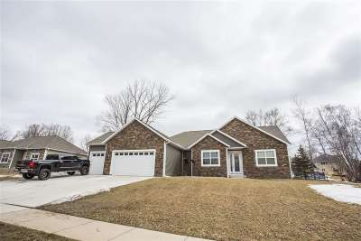 Wausau Single Family Home For Sale: 213 Fountain Hills
