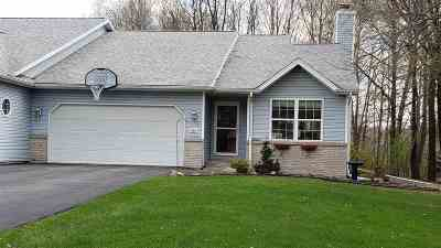 Mosinee Condo/Townhouse Active - With Offer: 804 Stone Ridge Drive