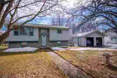 Abbotsford Single Family Home Active - With Offer: 210 S 6th Street